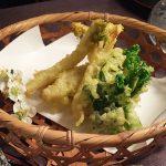 ウドの葉先と菜の花の天ぷら