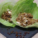肉みそ納豆のレタス包み